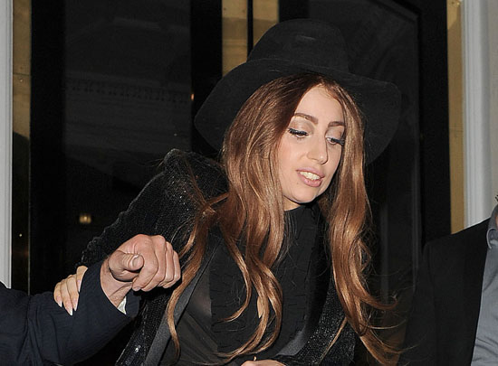 lady-gaga-leaves-the-ecuadorian-embassy