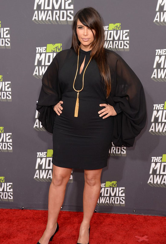 kim-kardashian-mtv-movie-awards-2013-01